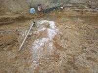 Granitowe ostańce w dnie wykopu fundamentowego - duże utrudnienia w pracach ziemnych